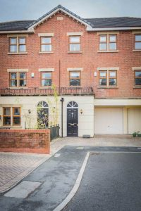 ***REDUCED*** 7 Haslam Hall Mews, Heaton