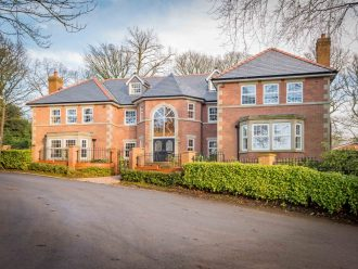 Property in Bolton - The Spinney, Knowsley Grange, Bolton BL1 5DQ